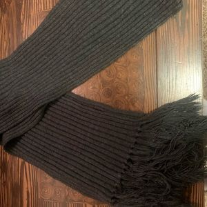 Women's New York and Company scarf